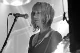 Співачка з The Muffs померла від рідкісної хвороби