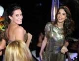 Амаль Клуни восхищен стильным образом на вечеринке Versace