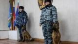 Российских заключенных охранник клонированные собаки