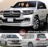 Фото обновленной Toyota Land Cruiser случайно пойманным в сети Интернет
