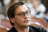 Поскандалившего Домогарова залишать в театрі